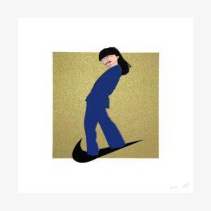 Sérigraphie 5 couleurs d'une femme en costume bleu sur le swoosh de Nike